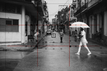 focus and recompose focusing technique demonstrated on a black and white street photograph